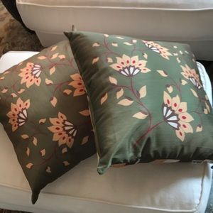 Set of two silk accent pillows